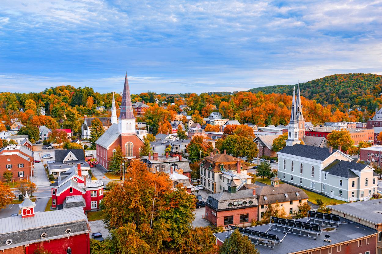 Burlington, Vermont, USA autumn town skyline.